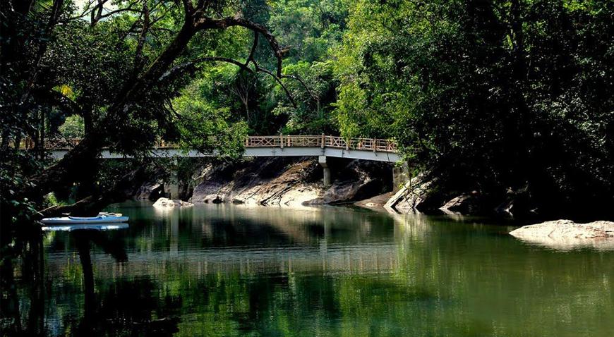 Khu du lịch Ba Hồ